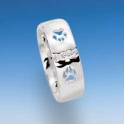 Moderner Ring mit durchbrochenen Hundepfoten und Zirkonia