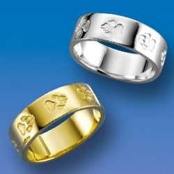 Eleganter Ring mit einpunzierten Hundepfötchen