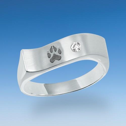 Aktueller Ring mit Hundepfote und Zirkonia